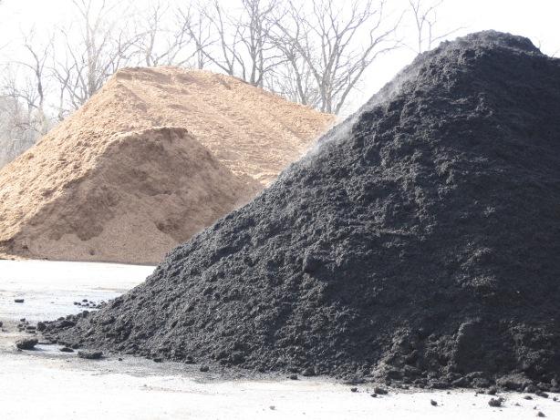 how to keep mulch clean