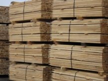 Hardwood Stakes are banded in bundles of 250